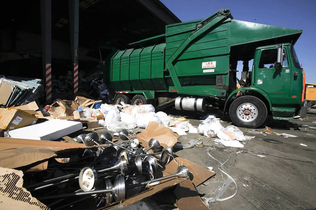 Trash Hauling-Corpus Christi Dumpster Rental & Junk Removal Services-We Offer Residential and Commercial Dumpster Removal Services, Portable Toilet Services, Dumpster Rentals, Bulk Trash, Demolition Removal, Junk Hauling, Rubbish Removal, Waste Containers, Debris Removal, 20 & 30 Yard Container Rentals, and much more!